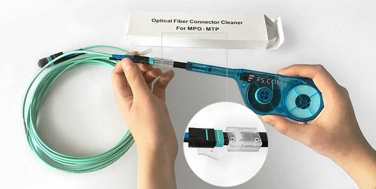 MPO/MTP one-push fiber optic cleaner